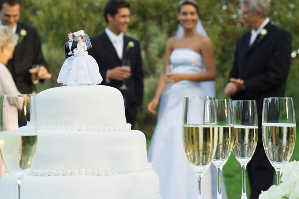 How Much Are Iowans Spending On Wedding Gifts